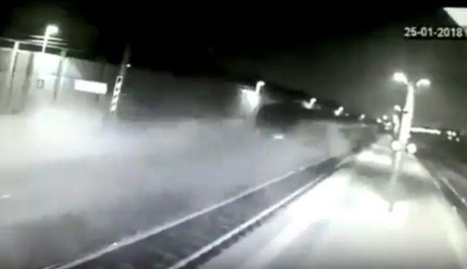 Βίντεο - σοκ με το 'ακυβέρνητο' τρένο στο Μιλάνο λίγο πριν τον εκτροχιασμό του