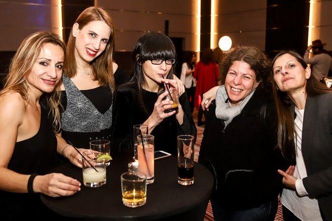 Από αριστερά: Ελένη Σαφαλοπούλου, Μαρίνα Χατζηδημητρίου, Νάντια Καρακίτσιου, Ειρήνη Αναδιώτη, Βασιλική Γκέτη