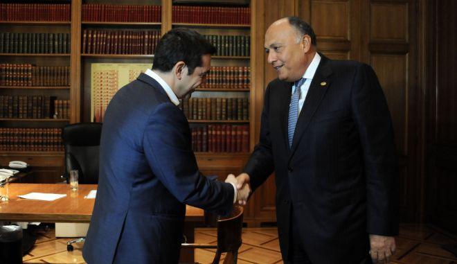 Συνάντηση του Πρωθυπουργού Αλέξη Τσίπρα με τον υπουργό Εξωτερικών της Αιγύπτου, κ. Sameh Shoukry  (Σαμεχ Σουκρι), την Δευτέρα 19 Οκτωβρίου 2015, στο Μέγαρο Μαξίμου. (EUROKINISSI/ΤΑΤΙΑΝΑ ΜΠΟΛΑΡΗ)
