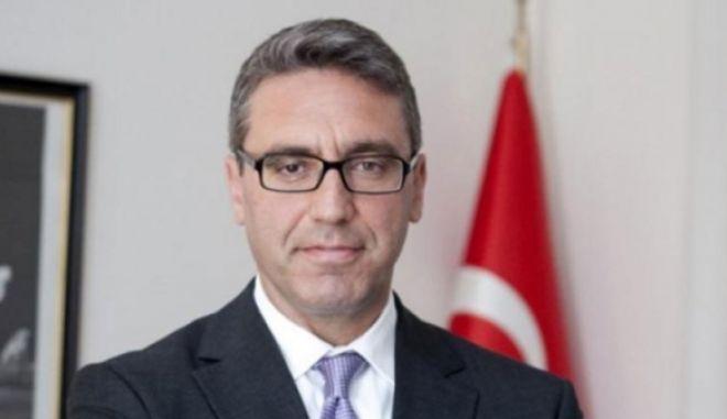 Ο Τούρκος πρέσβης χαιρετίζει τη Συμφωνία των Πρεσπών