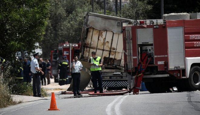 Τραγωδία στο Μαρκόπουλο - Δύο νεκροί σε σύγκρουση βυτιοφόρου με φορτηγό