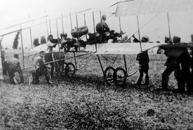 Το αεροπλάνο «Henry Farman».