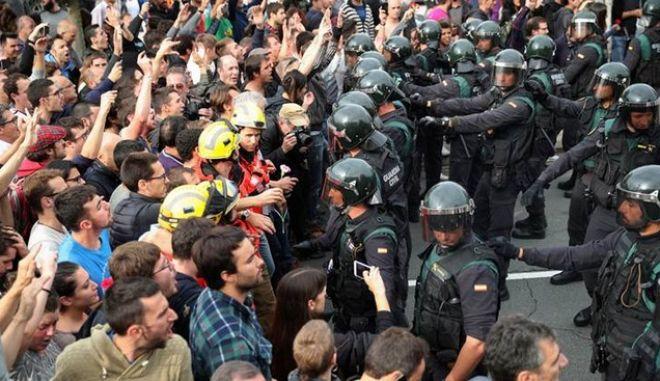 Καταλονία: Η ισπανική κυβέρνηση πρέπει να σεβαστεί το αποτέλεσμα του δημοψηφίσματος