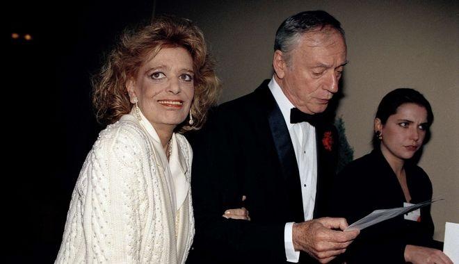 Η Μελίνα Μερκούρη με τον Ιβ Μοντάν στην απονομή των πρώτων Βραβείων Ευρωπαϊκού Σινεμά το 1989 στο Παρίσι