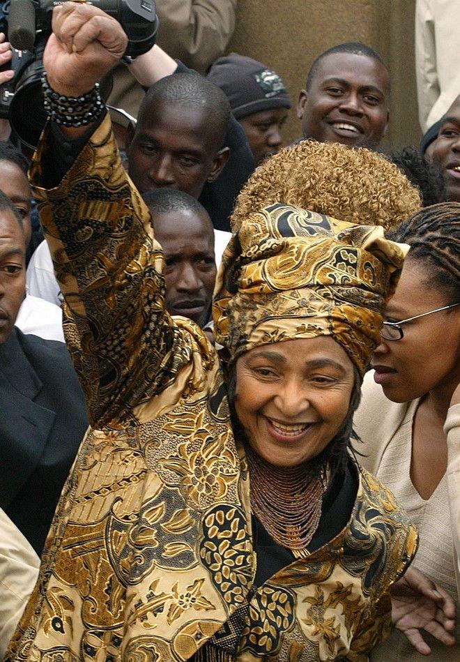 Γουίνι Μαντέλα (AP Photo/Themba Hadebe)