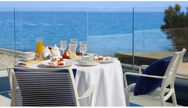 """Στο I Resort Beach Hotel & Spa Hotel το βραβείο """"Traveller's Choice Award"""""""