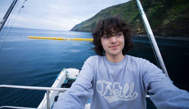 Πως μία βουτιά στις θάλασσες της Ελλάδας άλλαξε την ζωή ενός 16χρονου