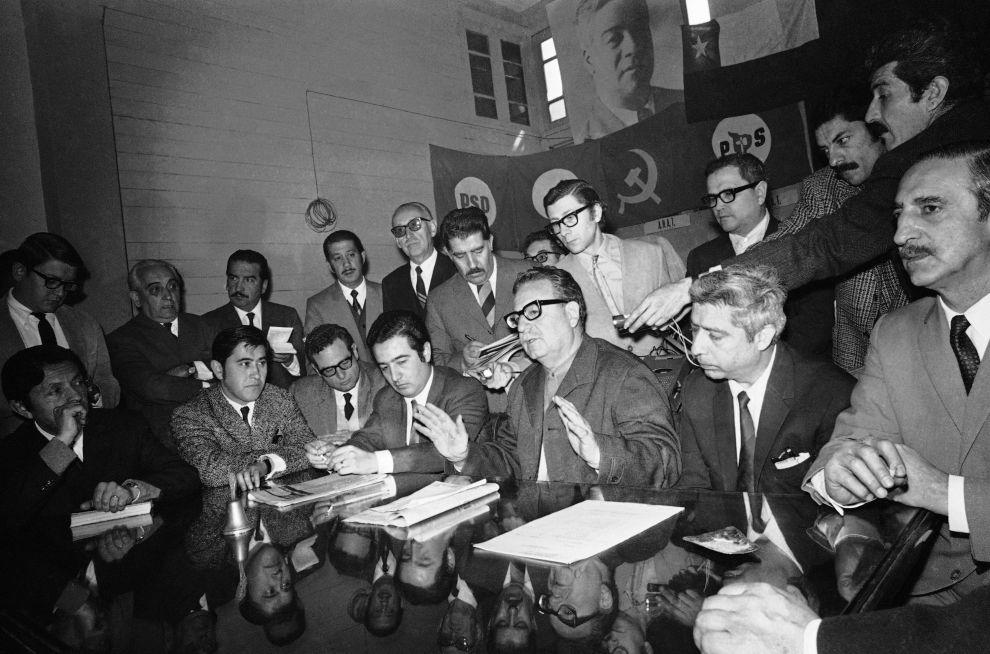Ο Σαλβαδόρ Αλιέντε σε συνάντησή του με την Κεντρική Ένωση Εργαζομένων της Χιλής τον Σεπτέμβριο του 1970 στο Σαντιάγο.