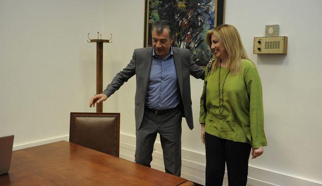 ΑΘΗΝΑ-ΒΟΥΛΗ-Με την πρόεδρο του ΠΑΣΟΚ Φώφη Γεννηματά συνάντηθηκε ο επικεφαλής του Ποταμιού Σταύρος Θεοδωράκης.(Eurokinissi-ΜΠΟΛΑΡΗ ΤΑΤΙΑΝΑ )