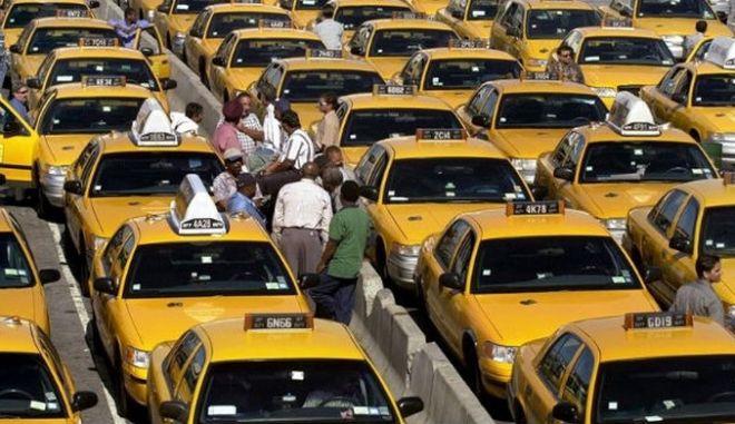 Θα συνεχίσουν τα μπλόκα οι ταξιτζήδες