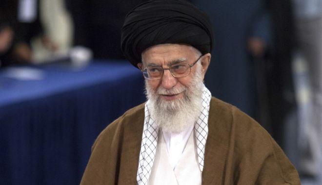 Νίκη Ροχανί από τον πρώτο γύρο των ιρανικών προεδρικών εκλογών