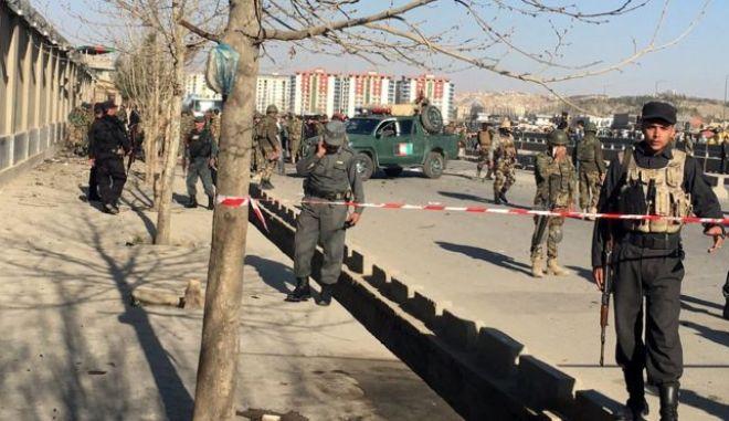 Αφγανιστάν: Επιθέσεις αυτοκτονίας με 25 νεκρούς και δεκάδες τραυματίες