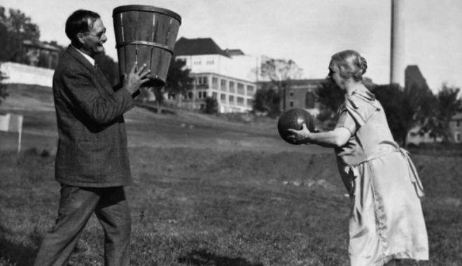 Μία εικόνα 1000 λέξεις: Έτσι γεννήθηκε το μπάσκετ