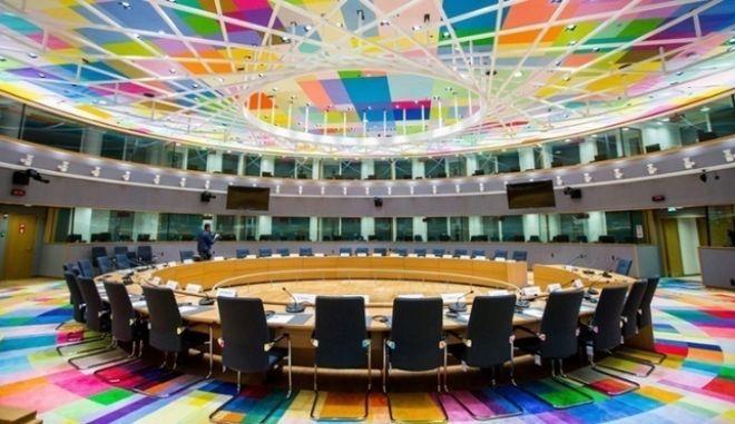 Εγκρίνεται σήμερα στο Eurogroup η δόση των 737 εκατομμυρίων ευρώ