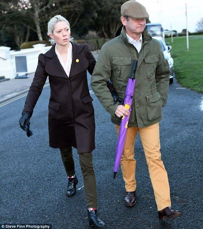 Ο ηγέτης του UKIP άφησε τη γυναίκα του για 25χρονο μοντέλο