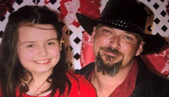 Το άτυχο κορίτσι με τον πατέρα του