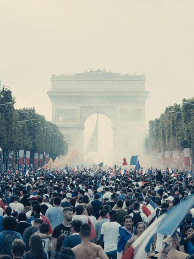 Κάννες 2019: Οι εξεγέρσεις στο Παρίσι κι ένα οργισμένο, φουτουριστικό γουέστερν από τη Βραζιλία