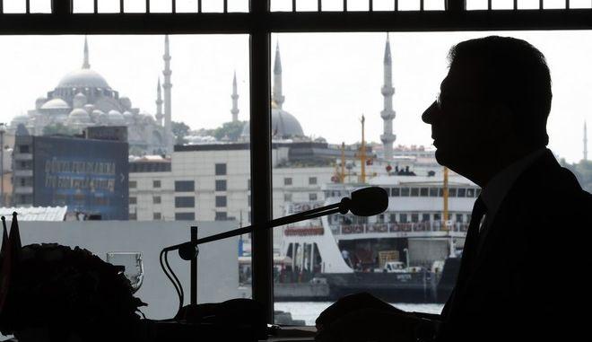Ο Ekrem Imamoglu σε ομιλία του στην Κωνσταντινούπολη