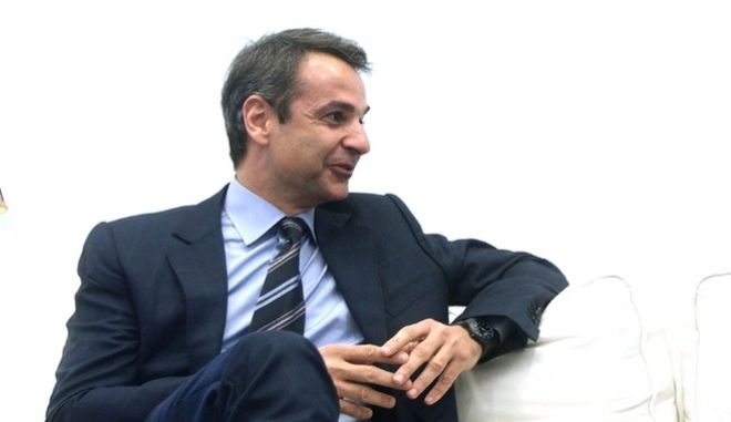 Meeting between the president of New Democracy party, Kyriakos Mitsotakis and the leader party To Potami Stavros Theodorakis, in Athens, on Apr. 4, 2017 /               ,  , 4 , 2017