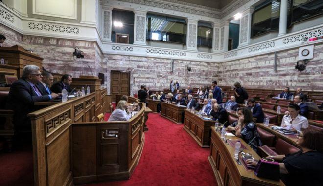 Ενημέρωση της Επιτροπής Άμυνας και Εξωτερικών Υποθέσεων της Βουλής, από τον υπουργό Εθνικής Άμυνας, Νικόλαο Παναγιωτόπουλο, για θέματα αρμοδιότητάς του.