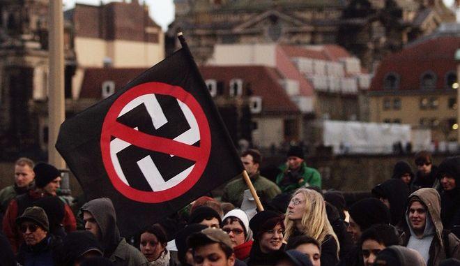 Στιγμιότυπο από αντιφασιστική συγκέντρωση στη Γερμανία