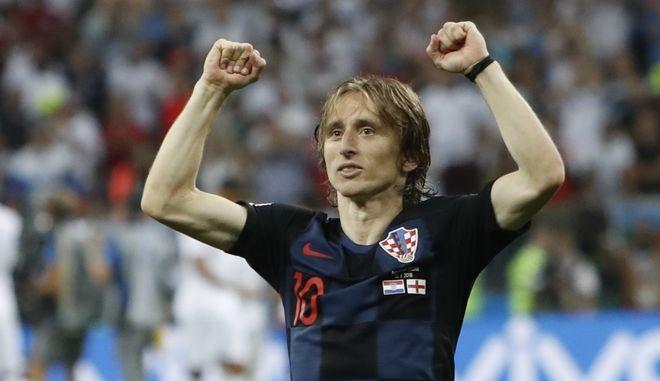 Ο Λούκα Μόντριτς πανηγυρίζει την πρόκριση στον τελικό του Μουντιάλ