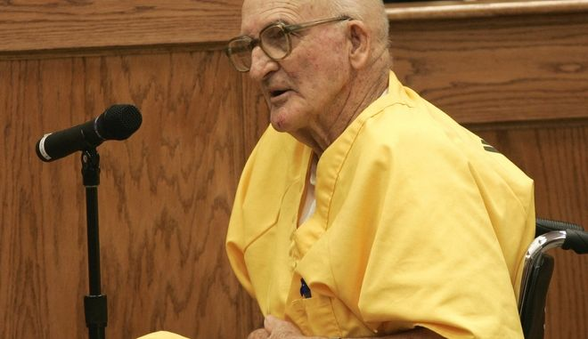 Edgar Ray Killen testifies during his bond hearing in a courtroom in Philadelphia, Miss., Friday, Aug. 12, 2005.  A judge granted  Killen a $600,000 bond on Friday so the one-time Klansman can be released from prison while he appeals his manslaughter convictions in the killings of three civil rights workers. (AP Photo/Kyle Carter, Pool)
