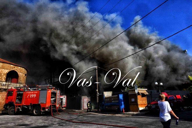 Χιλιομόδι, κάηκε ολοσχερώς σουπερμάρκετ