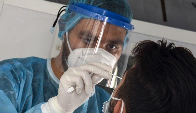 Δωρεάν έλεγχοι (Rapid test) από κλιμάκια του ΕΟΔΥ.