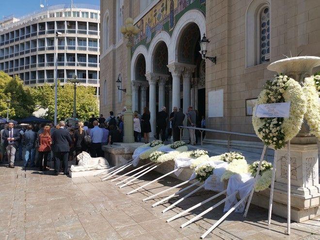 Τελευταίο αντίο στον Αντώνη Λιβάνη - Παρόντες Παυλόπουλος, Τσίπρας και Καραμανλής