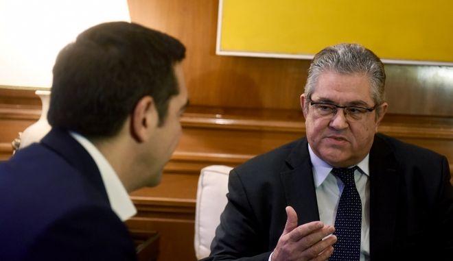 Στιγμιότυπο από την συνάντηση του Πρωθυπουργου Αλέξη Τσίπρα με τον Γενικό Γραμματέα της Κέντρικής επιτροπής του ΚΚΕ Δημήτρη Κουτσούμπα,προκειμένου να τον ενημερώσει για τις επαφές του στο Νταβός, Σάββατο 27 Ιανουαρίου 2018 (EUROKINISSI/ΤΑΤΙΑΝΑ ΜΠΟΛΑΡΗ)