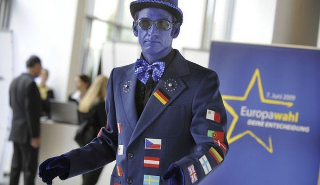 Ευρωεκλογές: Κάντο όπως οι Ολλανδοί. Στις κάλπες η ανατολική Ευρώπη