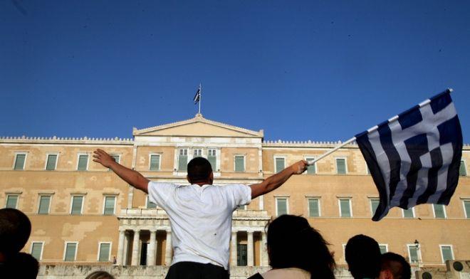 Για 16η μέρα παραμένουν οι αγανακτισμένοι στην Πλατεία Συντάγματος,Πέμπτη 9 Ιουνίου 2011 (EUROKINISSI/ΓΙΑΝΝΗΣ ΠΑΝΑΓΟΠΟΥΛΟΣ)