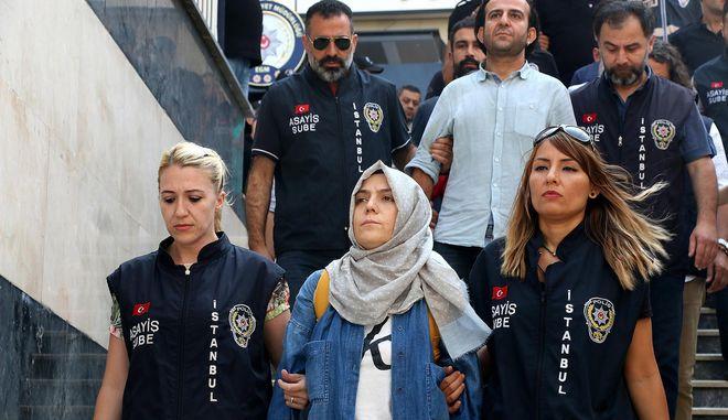 Τούρκοι δημοσιογράφοι οδηγούνται στα δικαστήρια