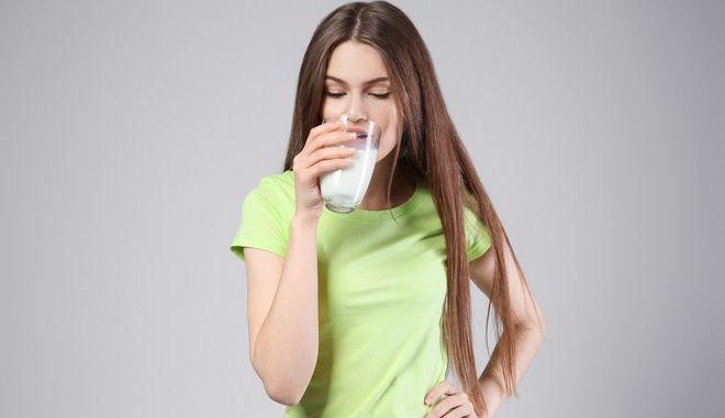 Είναι το γάλα απαραίτητο για την υγεία των οστών;