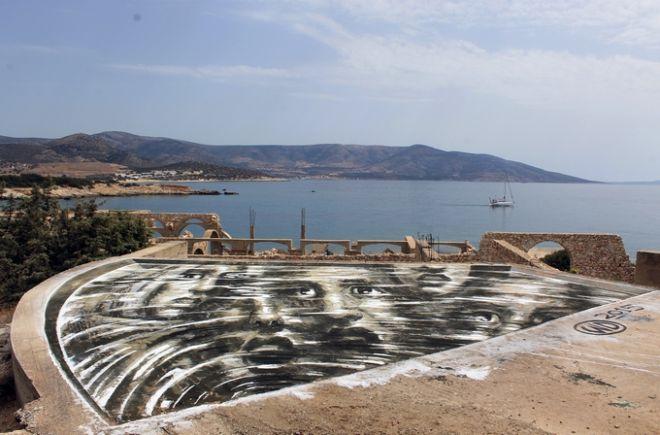 Ο WD στέλνει ένα συγκλονιστικό γκραφίτι στις ψυχές που χάθηκαν στα νερά του Αιγαίου
