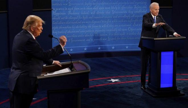 Στιγμιότυπο από το δεύτερο ντειμπέιτ μεταξύ Μπάιντεν και Τραμπ