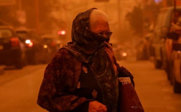"""Η αφρικανική σκόνη """"έπνιξε"""" τα πάντα: Υποχωρεί από απόψε - πόσο τοξική είναι"""
