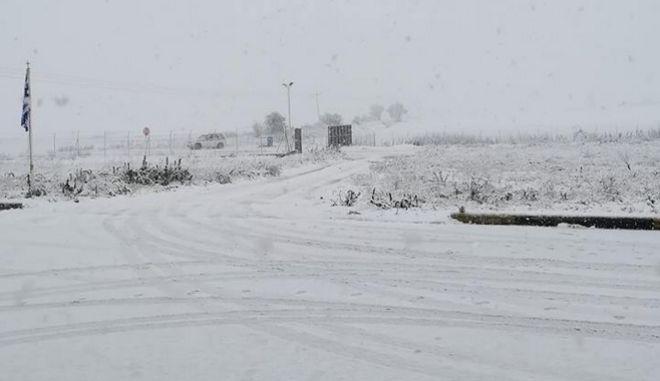 Κακοκαιρία: Προβλήματα από την χιονόπτωση - Κλειστά τα σχολεία σε Τρίκαλα και Φλώρινα