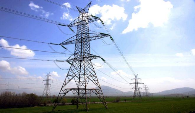 Καλή χρονιά με μειώσεις στα τιμολόγια του ηλεκτρικού ρεύματος έως και 7%