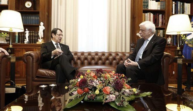 Συνάντηση του Προέδρου της Δημοκρατίας, Προκόπη Παυλόπουλου(δ)  με τον πρόεδρο της Κυπριακής Δημοκρατίας, Νίκο Αναστασιάδη(α) την Πέμπτη 9 Νοεμβρίου 2017, στο Προεδρικό Μέγαρο. (EUROKINISSI/ΓΙΩΡΓΟΣ ΚΟΝΤΑΡΙΝΗΣ)