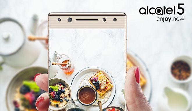 Αποτυπώστε κάθε στιγμή με τους φίλους σας σε μία λήψη με το Alcatel 5 – το νέο selfie stick