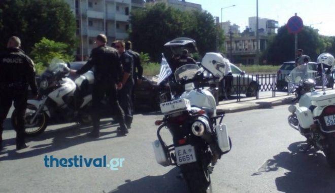 Θεσσαλονίκη: Όχημα με μετανάστες ξέφυγε από την πορεία του μετά από καταδίωξη