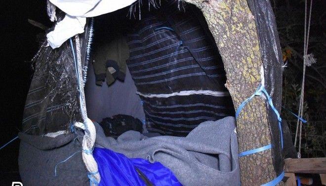 Εικόνες ντροπής στη Χίο: Πρόσφυγες σκαρφάλωσαν στα δέντρα για να μην πνιγούν