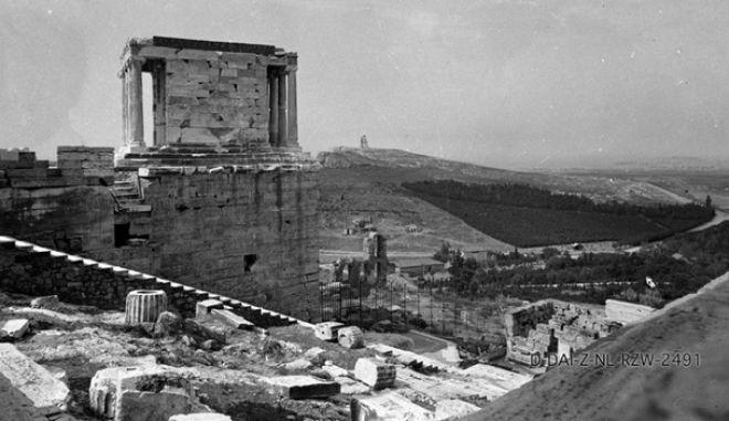 Όταν η Αθήνα είχε ποτάμι. 20 καρέ μιάς άλλης εποχής Nikis