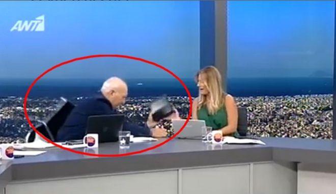 Ο Γιώργος Παπαδάκης έπεσε από την καρέκλα στον αέρα της εκπομπής