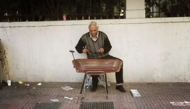 Οι εικόνες μιας Ελλάδας που αναζητά ελπίδα