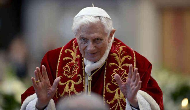 Η Αγία Έδρα αποσχημάτισε 384 ιερείς για παιδεραστεία επί Βενέδικτου 16ου