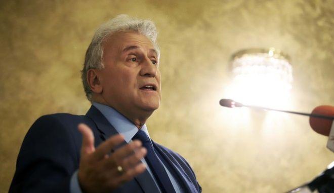 Ο Παναγιώτης Ψωμιάδης παρουσιάζει τα πολιτικά του σχέδια σε συνέντευξη Τύπου