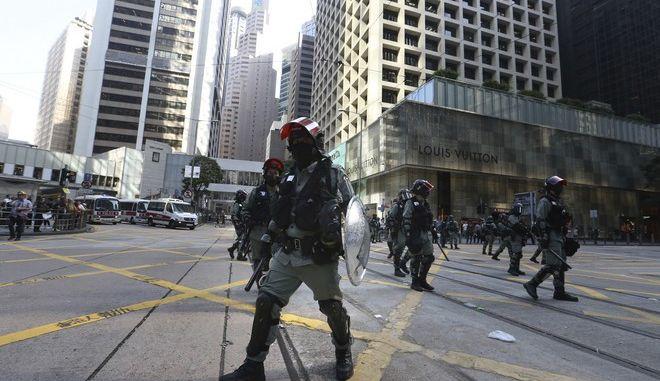 Αστυνομικές δυνάμεις στο Χονγκ Κονγκ